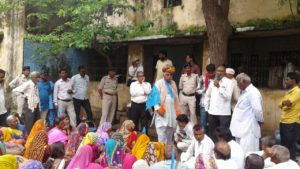 Hundreds of Satyagrahis challenged NVDA (Narmada Valley Development Authority) | Rehabilitation officer admitted 700 project affected families yet to be rehabilitated